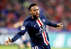 法甲 内马尔绝杀助巴黎圣日耳曼队客场击败里昂队