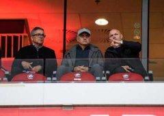 一图流:穆帅现身里尔主场,观战对阵尼姆的法甲比赛